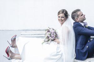 Brudesko bliver med sikkerhed bemærket, af Anna Kjærulff - Og Ja, Christian Louboutin kalder på opmærksomhed, på bryllupsbilleder.